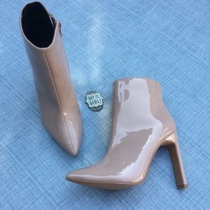 So Me mauve patent ankle boot NWOB